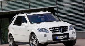 Mercedes-Benz-ML_63_AMG_2011_1024x768_wallpaper_01
