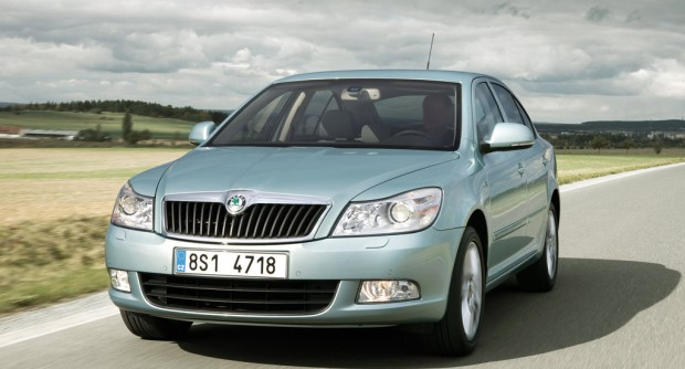 Skoda-Octavia_2009_1024x768_wallpaper_06