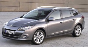 2010-Renault-Megane-Estate-11